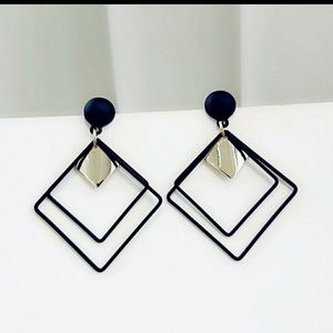 Rumba classic geometric pendant earrings